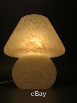 Art Vintage Murano Italien Verre Gel Blanc Satiné Champignon Lampe De Table 9