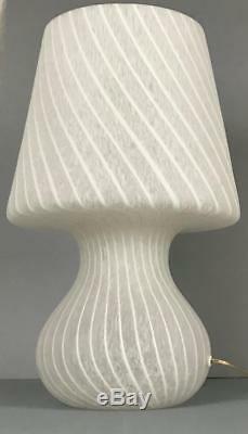 Big Murano Italie Vetri Milieu Du Siècle Moderne Blanc Swirl Verre Champignon Lampe De Table