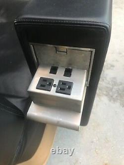 Chaise Moderne Du Milieu Du Siècle Fabriquée À La Main Sur Mesure, Fabriquée Par David Edward