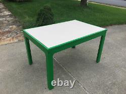 Collection Du Milieu Du Siècle Moderne Mod Eames Era Kartell Table En Plastique Vert Par Bohr
