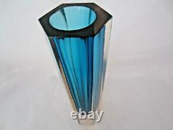 Géométrique Italien Murano Facettes Vase En Verre D'art Bleu En Forme Hexagonale Rose