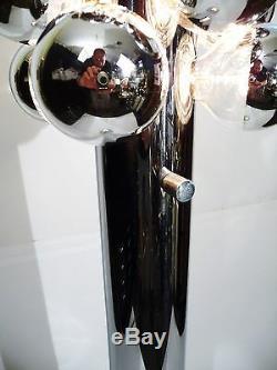 Italien Heavy Chrome Acier Cylindrique Lampadaire 16 Par Reggiani 1968 Ampoule