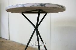 Mi-siècle Marbre Italien Top Side Table Iron Trépied