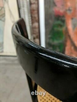 Pair Vintage MI Siècle Italien Bauhaus Moderne Black Laquer Chaises Rondes De Canne