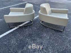 Paire De Fer À Cheval Au Milieu Du Siècle Moderne Italienne Forme Chaises Longues