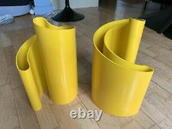 Rare Vintage Heller Giotto Stoppino Deda Yellow Plastic Vase MCM Paire/set Of 2