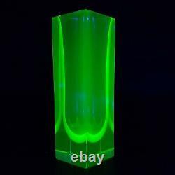 Vase En Verre Somerso Bleu Facetté De Murano Et Vert D'uranium