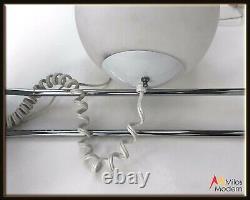 Vintage 70s Mod Italien Italie Harvey Guzzini White Glass Globe Chrome Table Lamp