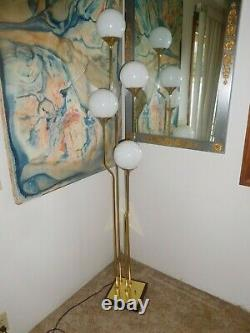 Vintage Brass Floor Lamp Globe Par Goffredo Reggiani Milieu Du Siècle Moderne