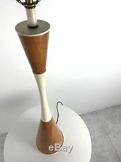 Vintage MID Century Moderne Teck Blanc Hourglass Lampe De Table Danois Italien 1950