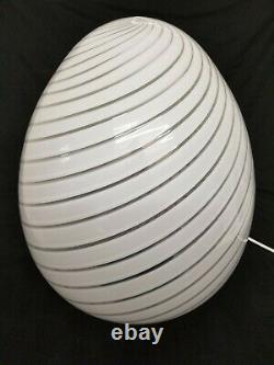Vintage Murano 17 Blanc Maestri Swirl Glass Egg Lampe 1970